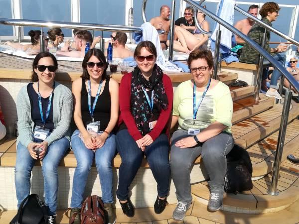 Nadine, Nina, Silke & Sandra F. testen die NCL Bliss