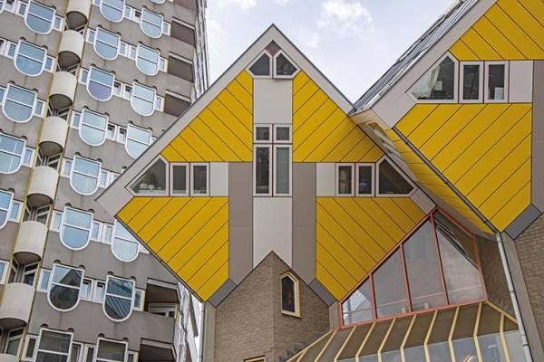 Die Kubushäuser im Stadtteil Blaak von Piet Blom (1984)