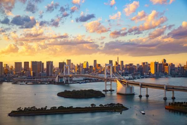 Beliebtes Fotosujet: Rainbow Bridge in der Tokyo Bay