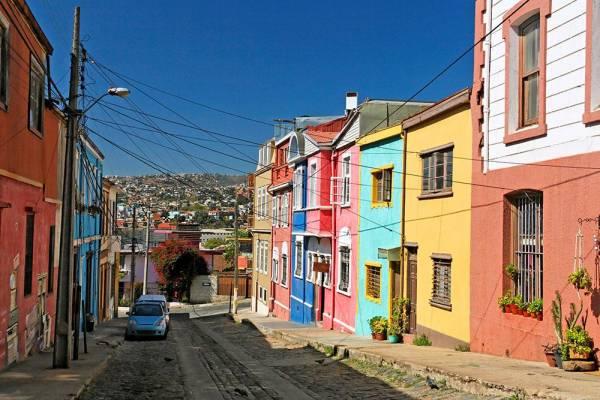 Die farbigen Häuser in Valparaíso – Die Altstadt zählt zum Weltkulturerbe der UNESCO.