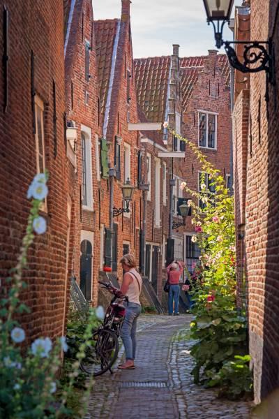 Flanieren im mittelalterlichen Middelburg, Provinz Zeeland