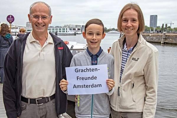 Kurt und Sandra Weber mit ihrem Sohn Robin aus Jona