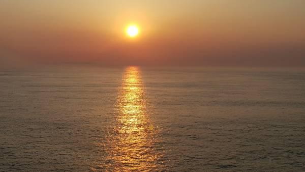 Wir geniessen den Sonnenuntergang an Bord der Norwegian Bliss